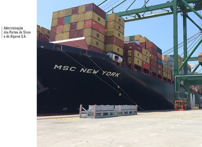 MSC New York de 16.652 TEU e 399 m escala Sines